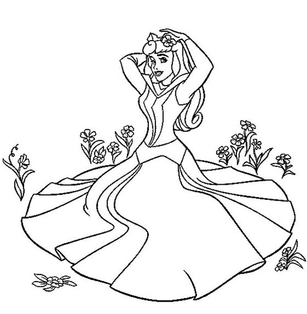 600x612 Princess Aurora Sitting On The Grass In Sleeping Beauty Coloring