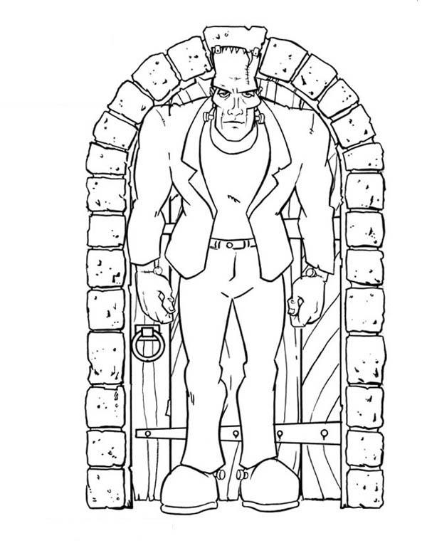 600x777 Frankenstein In Front Of The Door Coloring Page