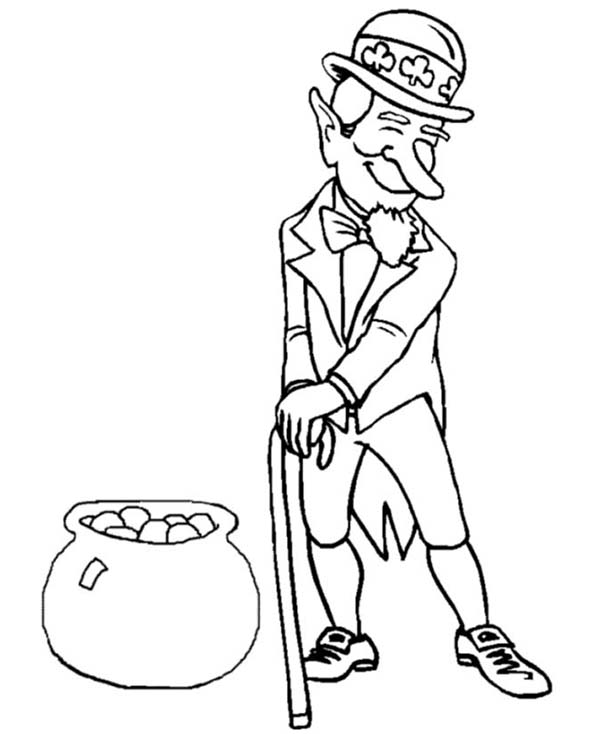 600x734 Celebrating St Patricks Day With Leprechaun Costume And Pot