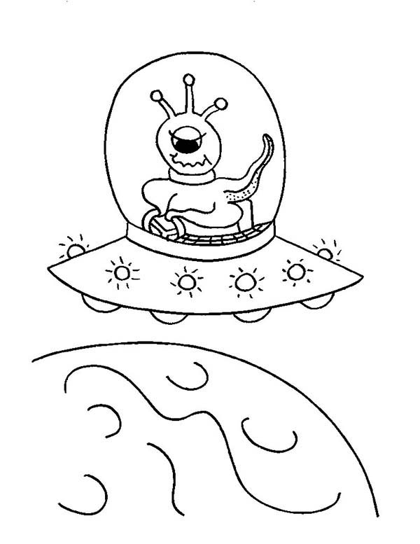 600x777 Alien Ride Ufo Coloring Page