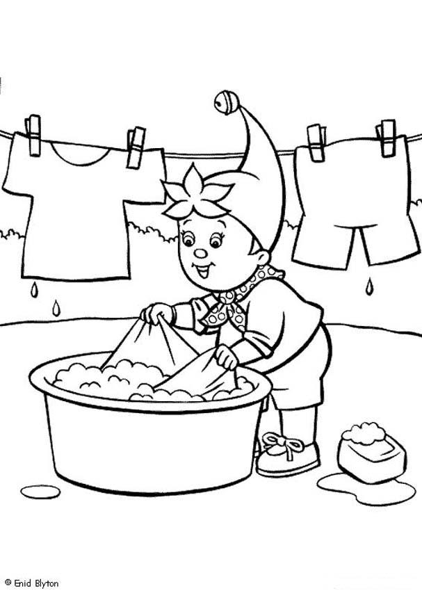 607x850 Noddy Hand Washing His Clothes Coloring Pages
