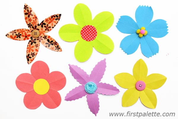 image relating to Printable Colored Flowers referred to as 5 Petal Flower Drawing at  No cost for