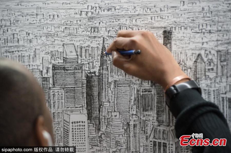 900x599 British Artist With Autism Draws New York Panorama From Memory(15)