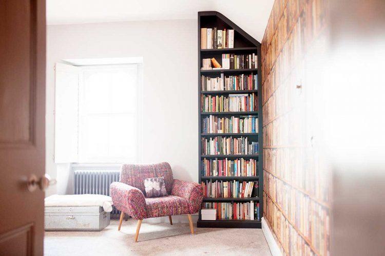 750x500 The Clever Corner Bookcase