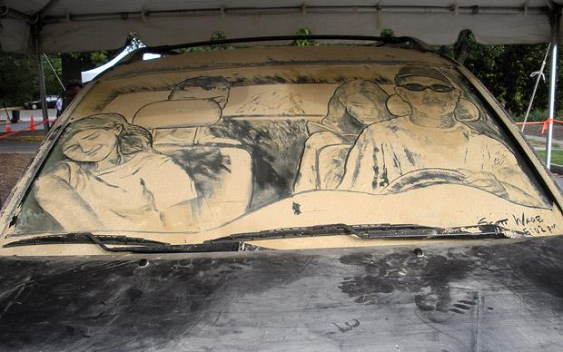 620x388 25 Awesome Dirty Car Window Drawings