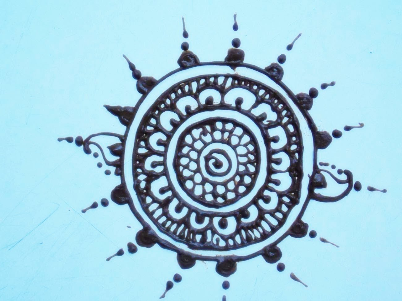1300x975 Henna Circle Drawing