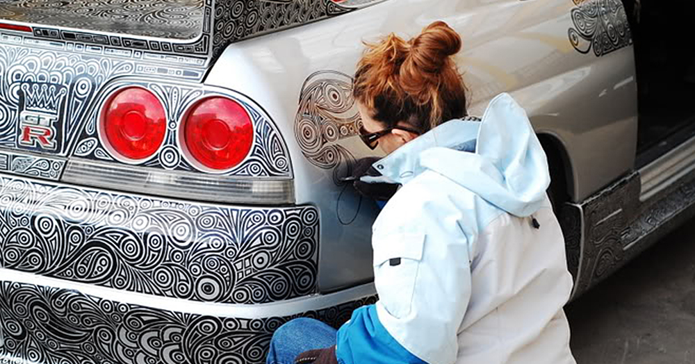 1000x524 Guy Lets His Artist Wife Doodle With Sharpie Pen On His Nissan