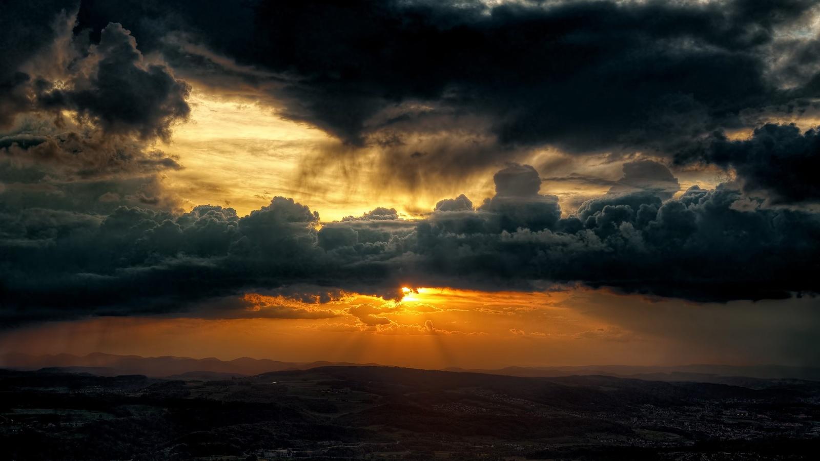 1600x900 Dark Clouds Sky Sun Wallpapers