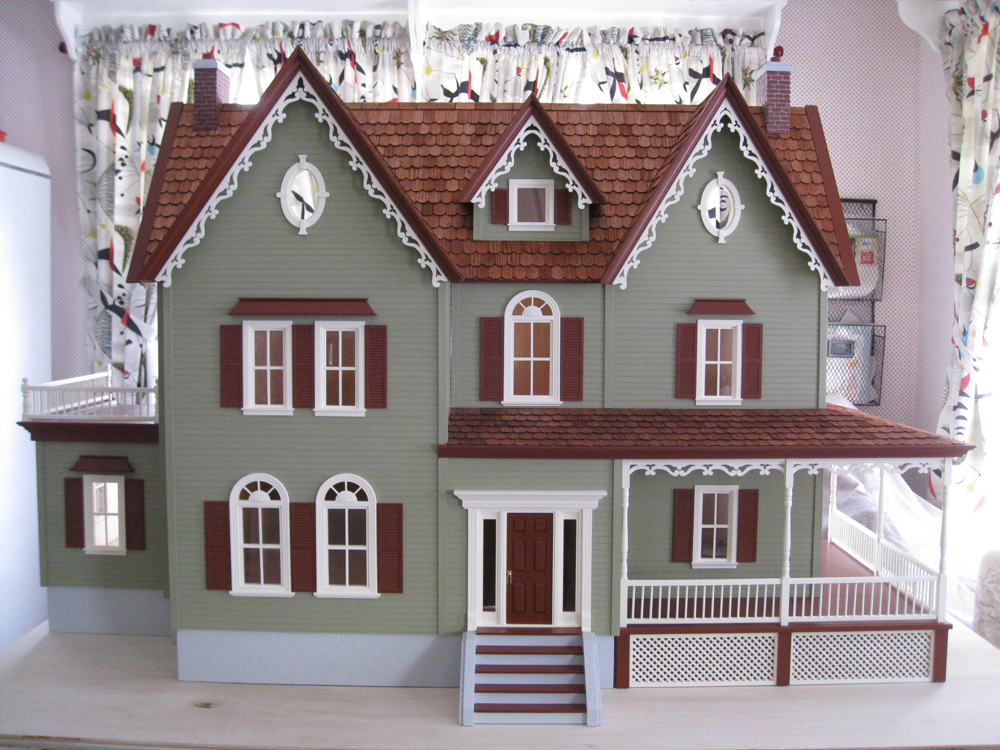 1000x750 Paula Doyon Completed This North Park Mansion Dollhouse Kit By