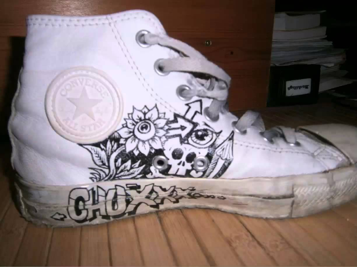 1224x918 Absnp Drawing On A Converse Shoe