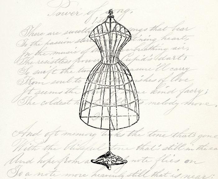 700x576 Vintage Dress Form
