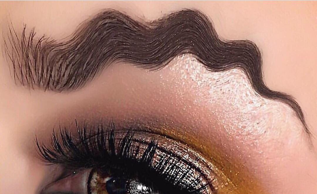 1080x661 This New Makeup Trend Has Women Drawing Waves As Eyebrows