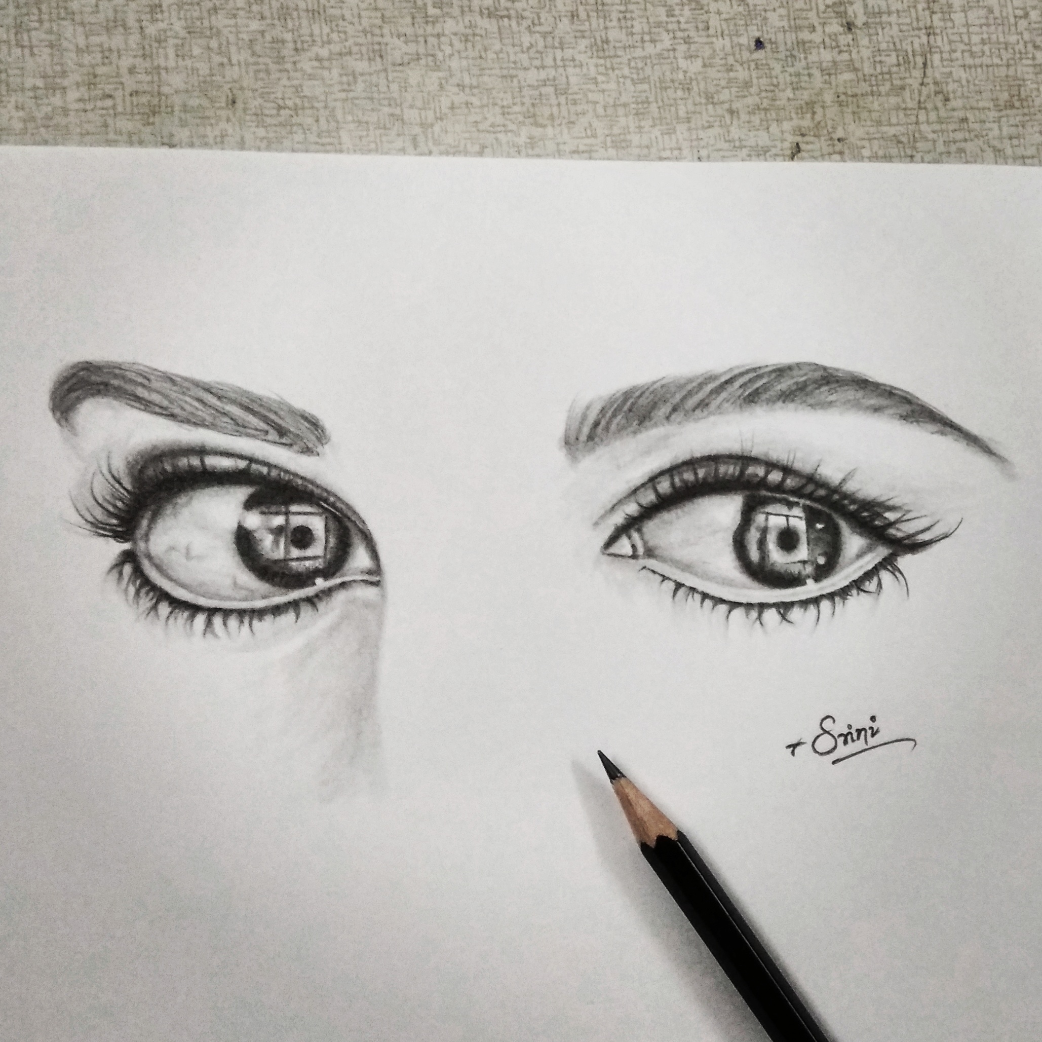 2057x2056 A pair of Eyes – creativentechno