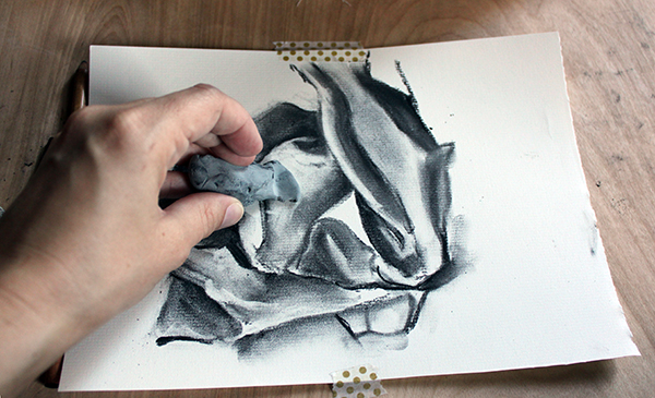 600x365 Drawing Folds In Fabric Using Charcoal