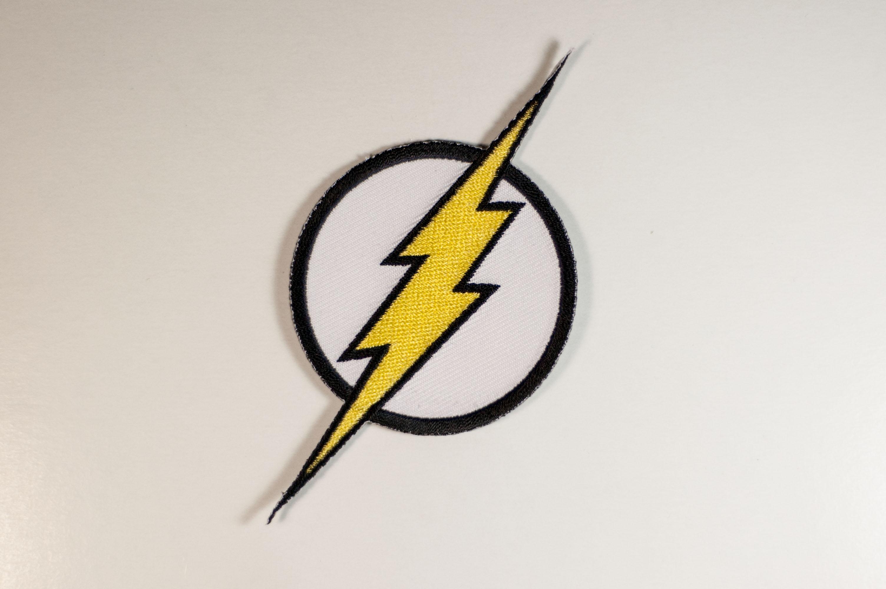 3008x2000 Flash Logo Getting Stitched