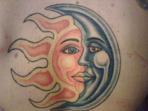 600x450 Classy Photo Of Sun And Crescent Moon Tattoo Art