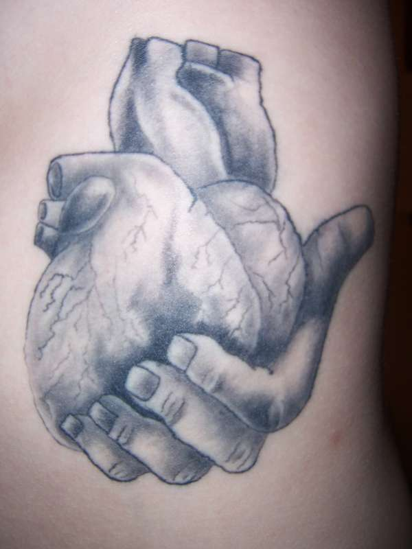 600x800 Hands Holding An Anatomical Heart Tattoo Hand Holding Heart
