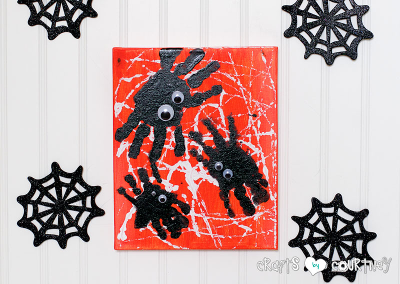800x568 Spooky Kids Spider Handprint Art