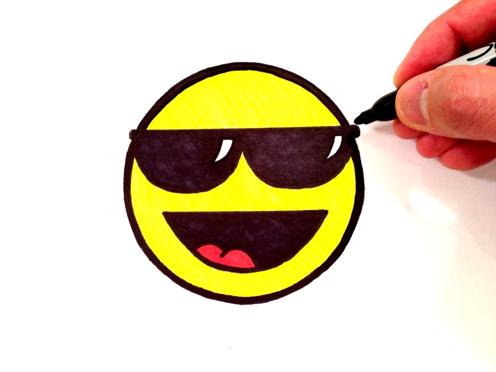 1632x1224 How To Draw A Cool Smiley Face With Sunglasses