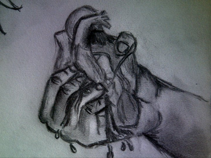 720x540 Hand Crushing The Heart By Tattoo Madd