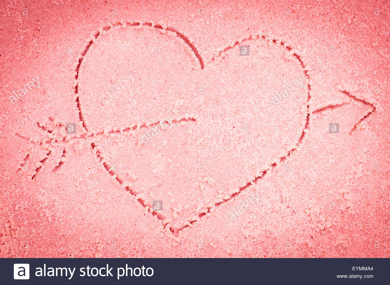 1300x951 Red Heart With Arrow Drawing On Sand Stock Photo 85892188