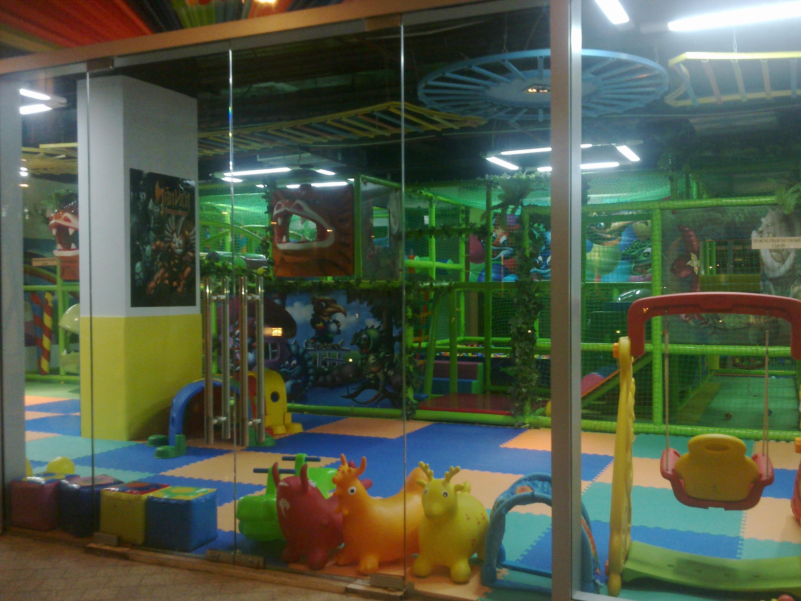 2592x1944 Hello Kids Children's Centre Hello Saigon!