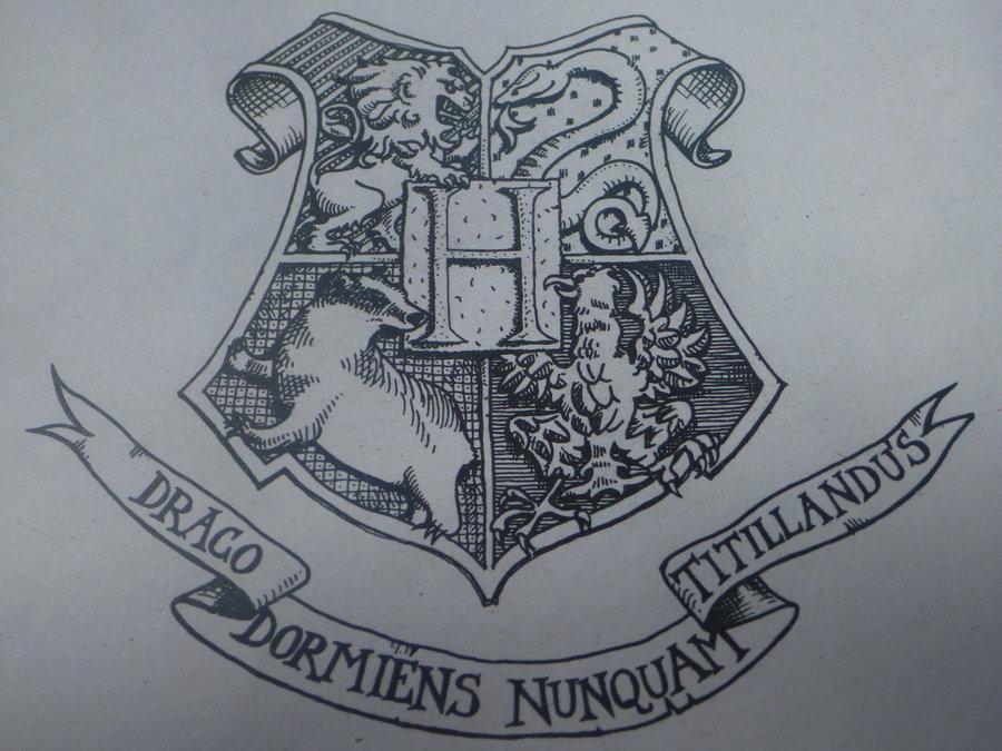 900x675 Harry Potter Hogwarts Crest By Starsarefalling93