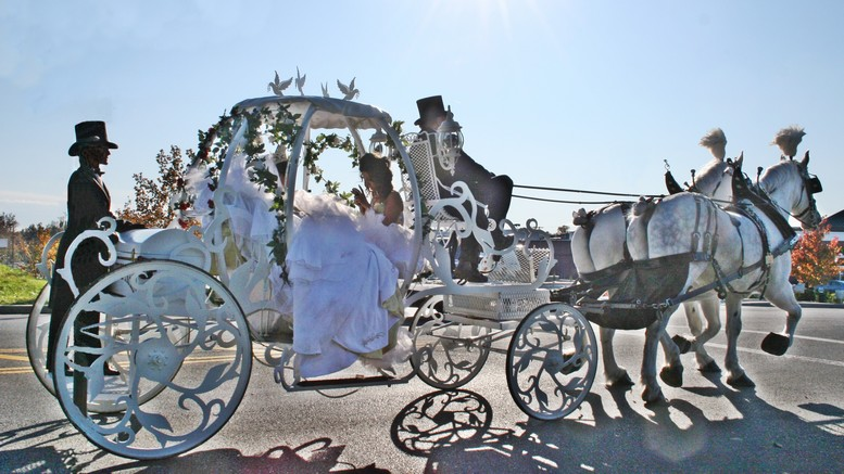 777x437 Cinderella Carriage White Horse Weddings