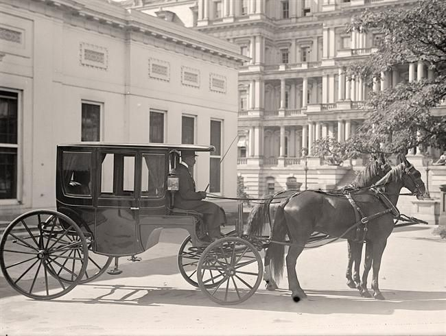 650x490 Horse Drawn Carriages To Be Replaced By Electric Buggies In Nyc