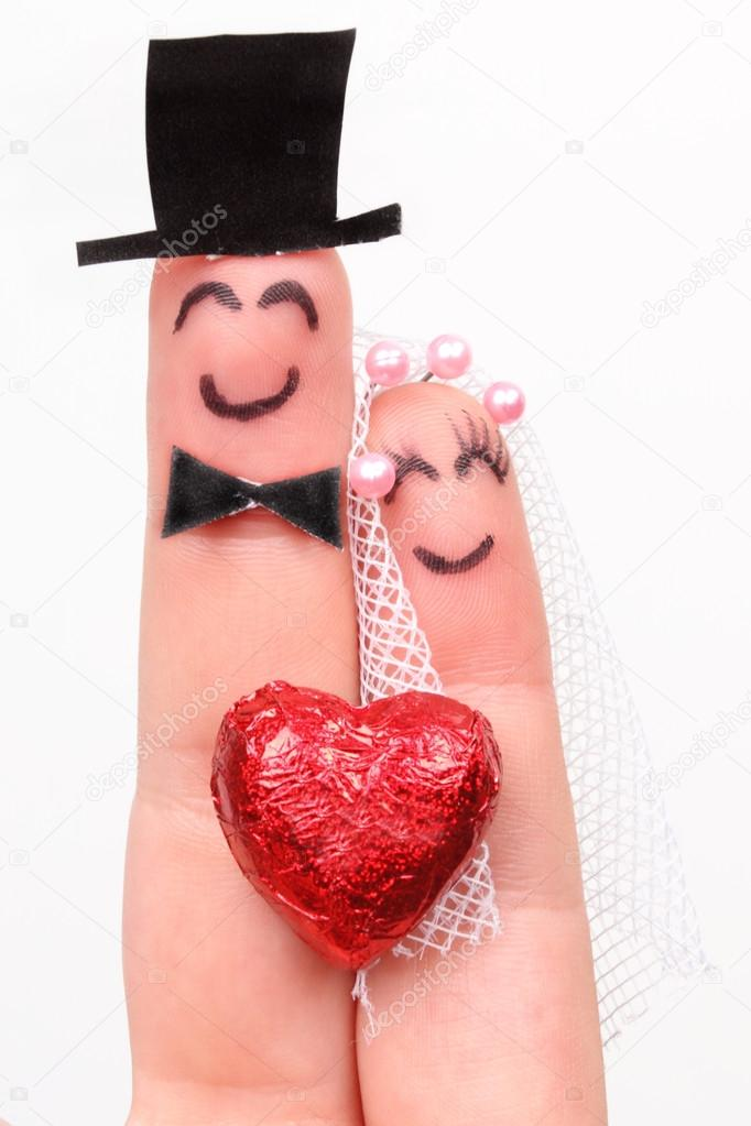 682x1023 Husband And Wife, Married, Drawing On The Fingers Stock Photo