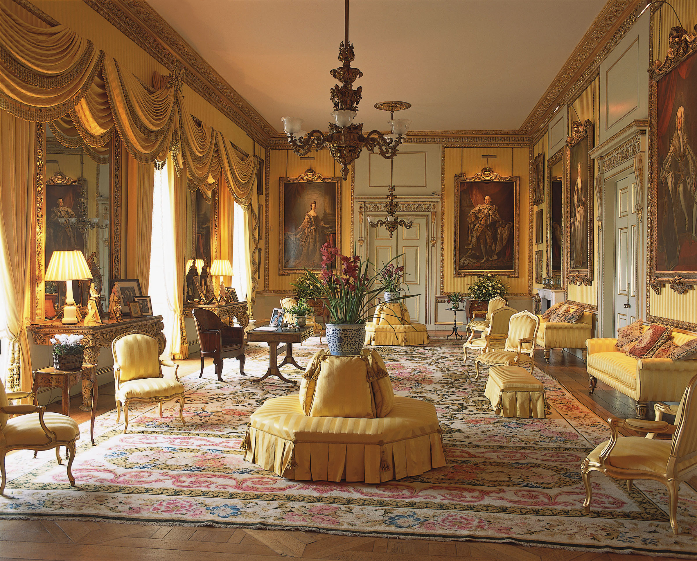 2400x1932 Photos Of Opulent Dining Rooms Take A Tour Of Goodwood House