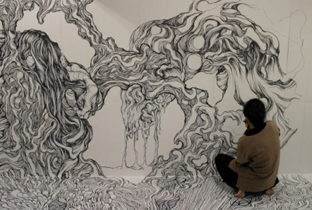 450x303 Room Covered With Drawings