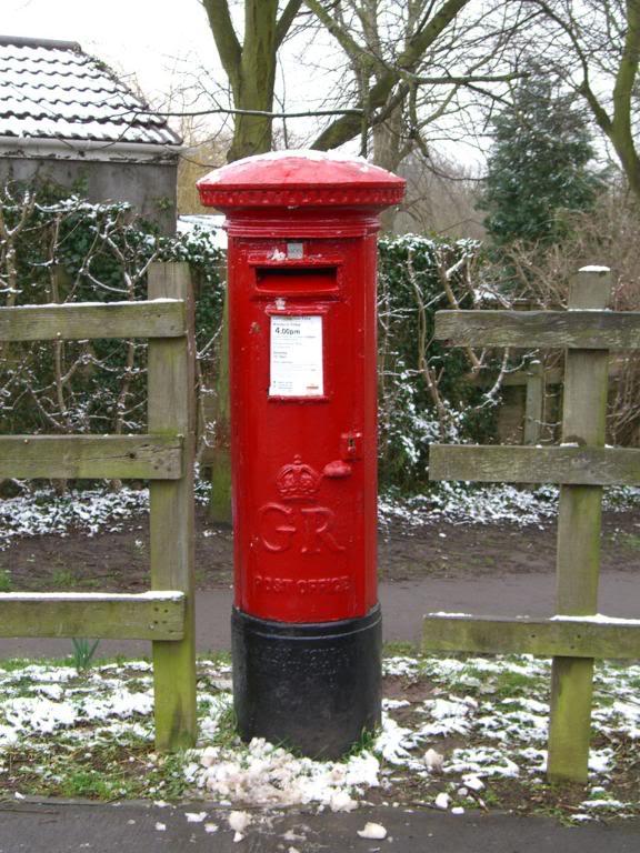 576x768 English Post Box, Bristol Post Office Post Box