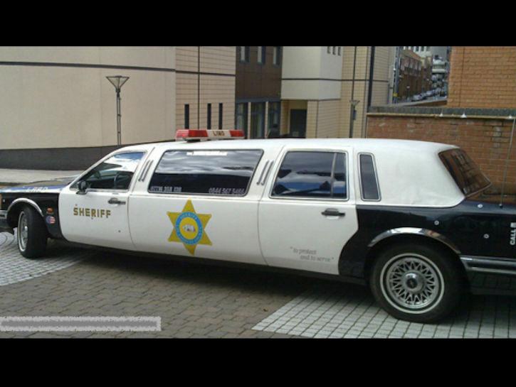 725x545 Police Limo For Vip Crooks Limos Limo, Police Cars