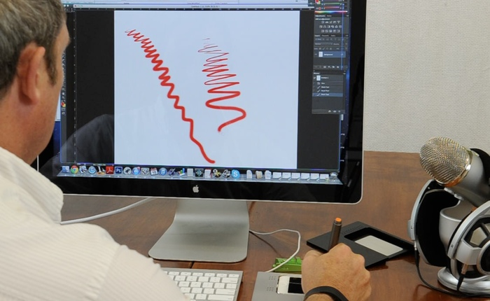 700x430 Sketchdock Transforms Iphone Into Graphics Tablet, Multi Touch