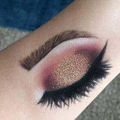 236x236 Eye Makeup On Hand Make Me Up Makeup, Eye