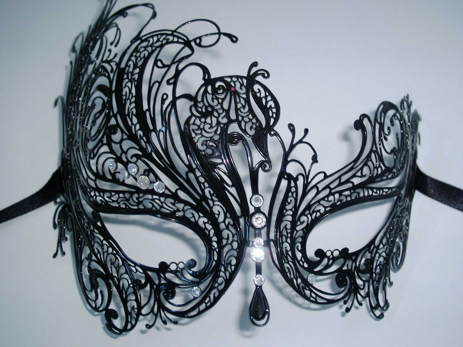 1600x1200 Mireille Venetian Masquerade Mask