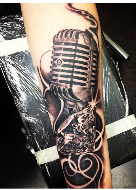 468x656 Awesome Microphone Tattoos