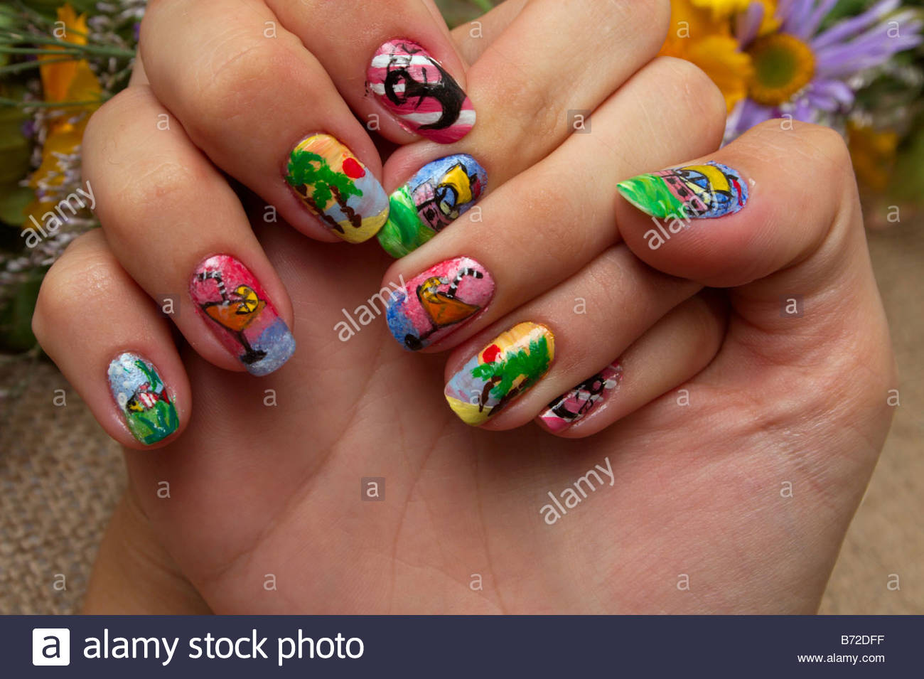 1300x955 Drawing On Nails Of Unusual Figures Gives To The Woman Originality