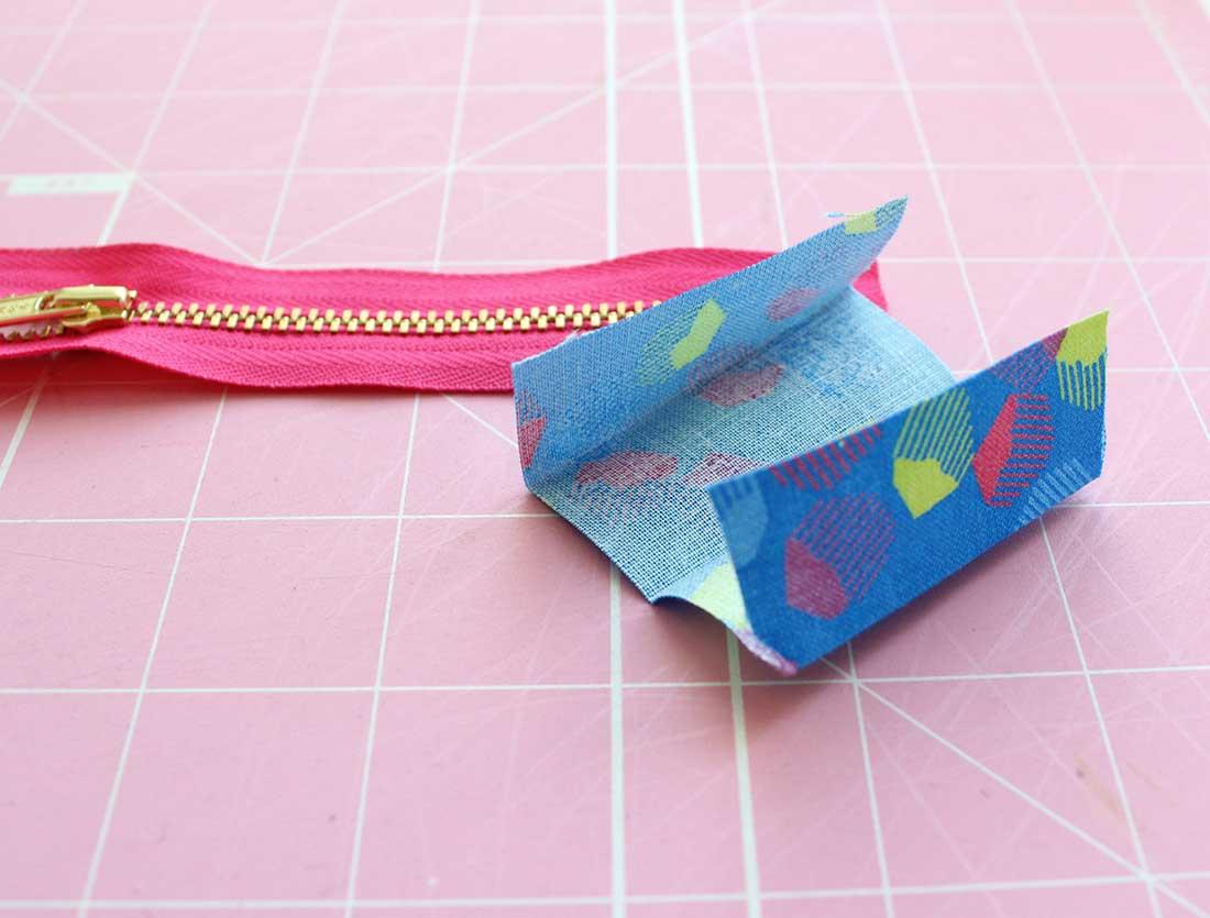 1100x835 Glitter Lips Zipper Case Tutorial Sew Mama Sew