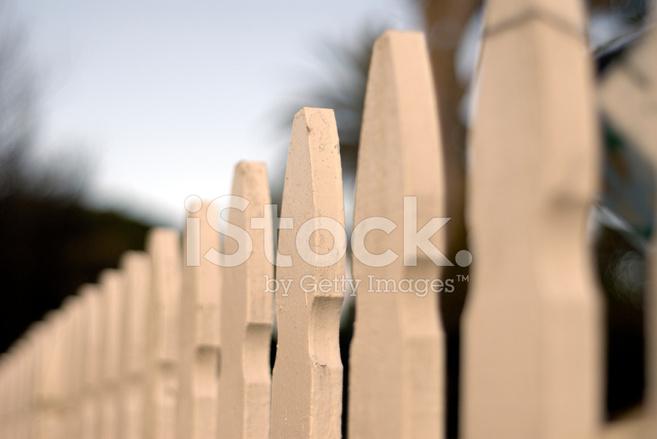 657x439 White Picket Fence Stock Photos