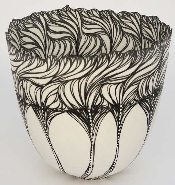 570x600 Coiled Porcelain Vessels With Brush Drawing And Integrated Oxides