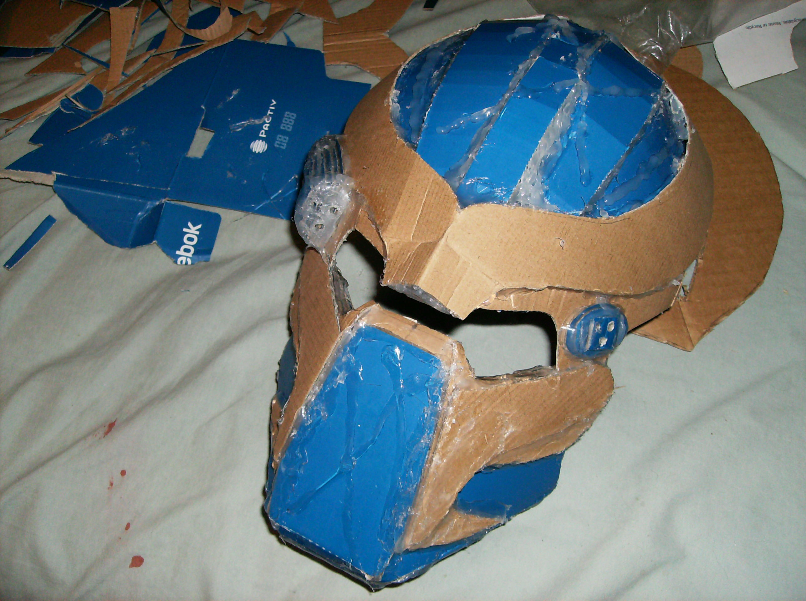 2576x1920 Made A Predator Helmet Out Of A Shoe Box. Will