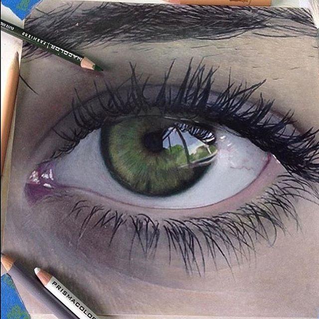 640x640 Realistic Eye Drawing
