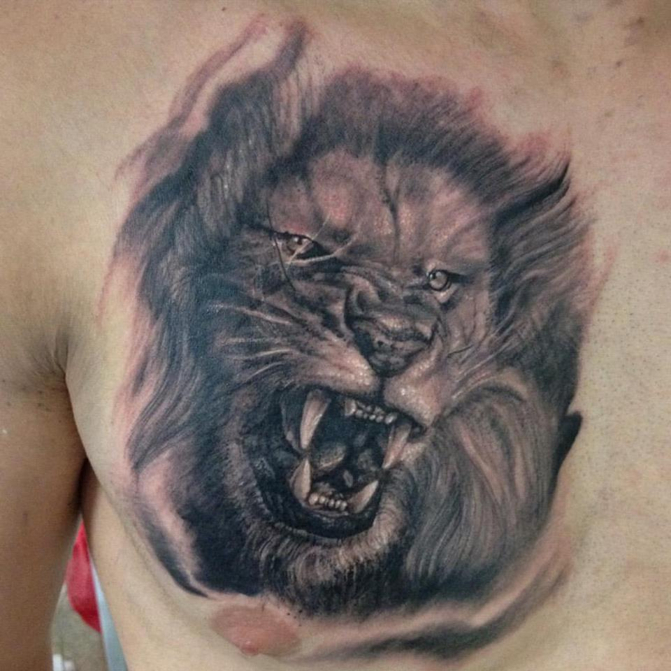 960x960 Grey Ink Roaring Lion Head Tattoo On Chest By Grey Wagner