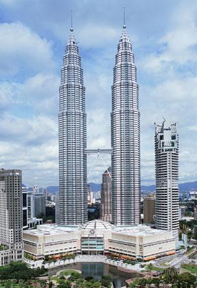 287x420 Petronas Vs. Sears Tower Controversy