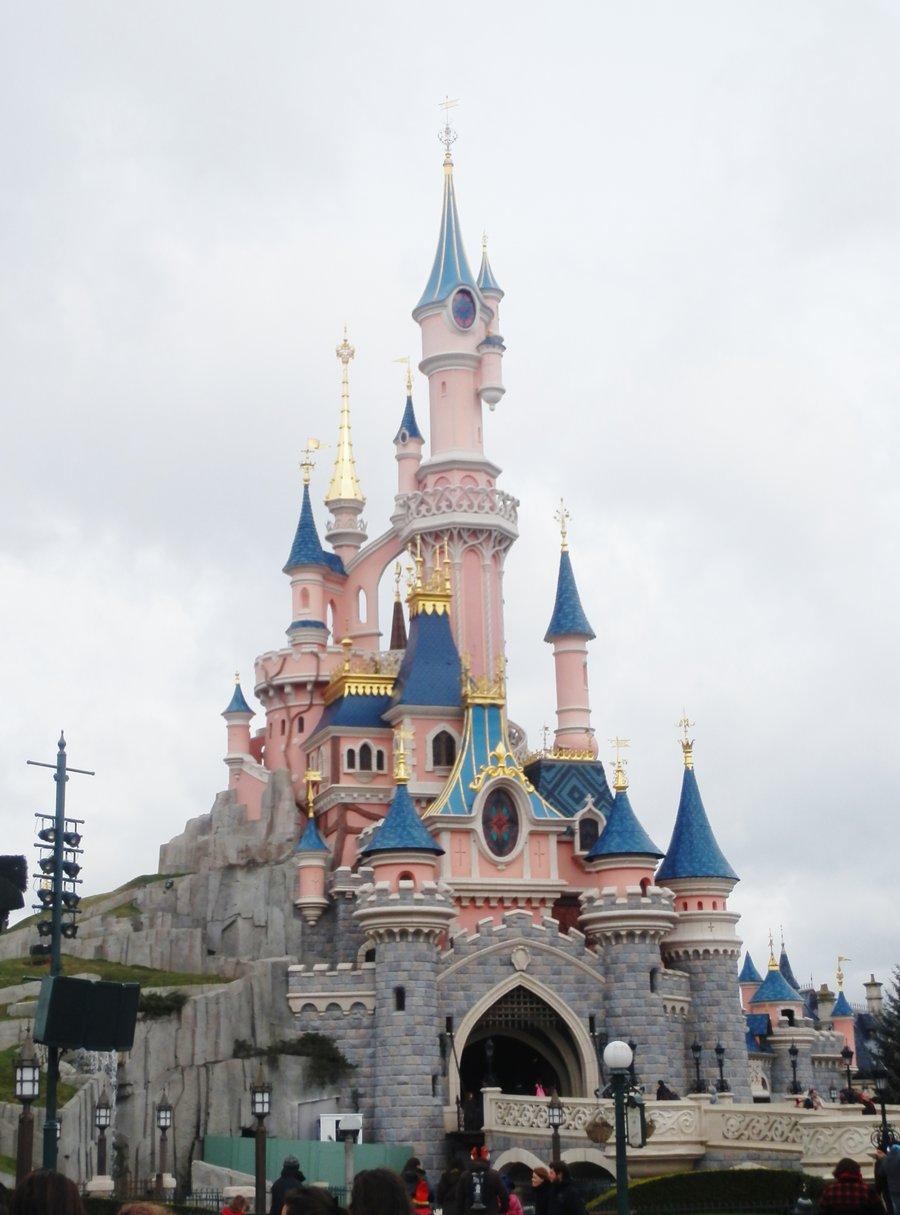 900x1215 Sleeping Beauty Castle By 22pauliangelica22