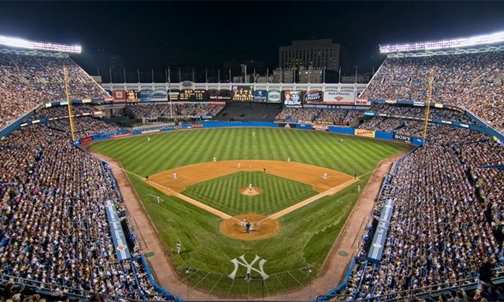 1000x600 Artist Creates Stunning Yankee Stadium Drawing Featuring Names