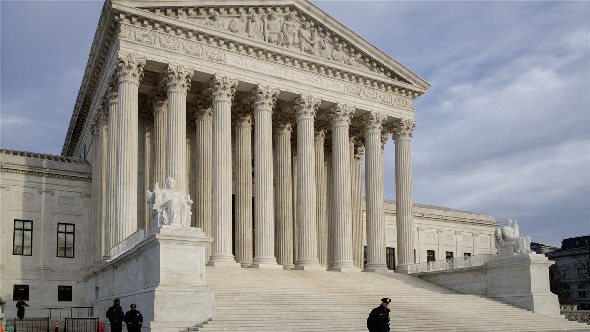 1200x675 At U.s. Supreme Court, A Family Tries To Extend