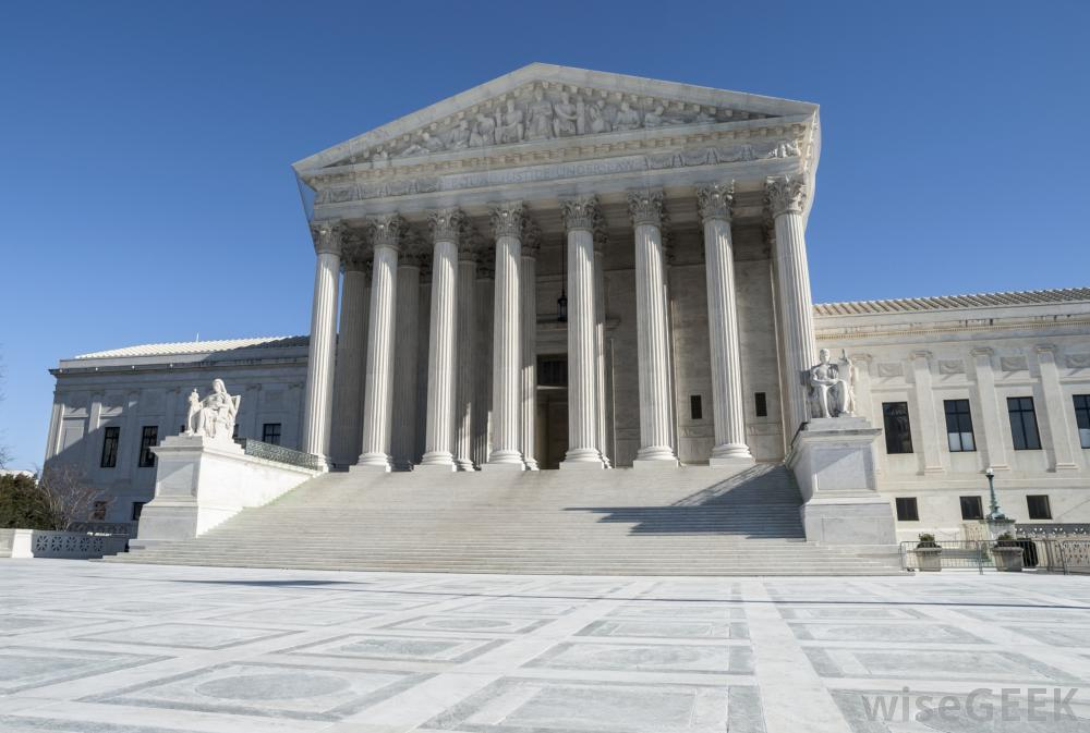 1000x673 What Does A Supreme Court Justice Do (With Pictures)